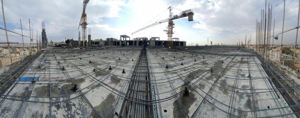 تصویر شماره 4 سقف دال بتنی پروژه تالی پارک معلم آماده بتن ریزی